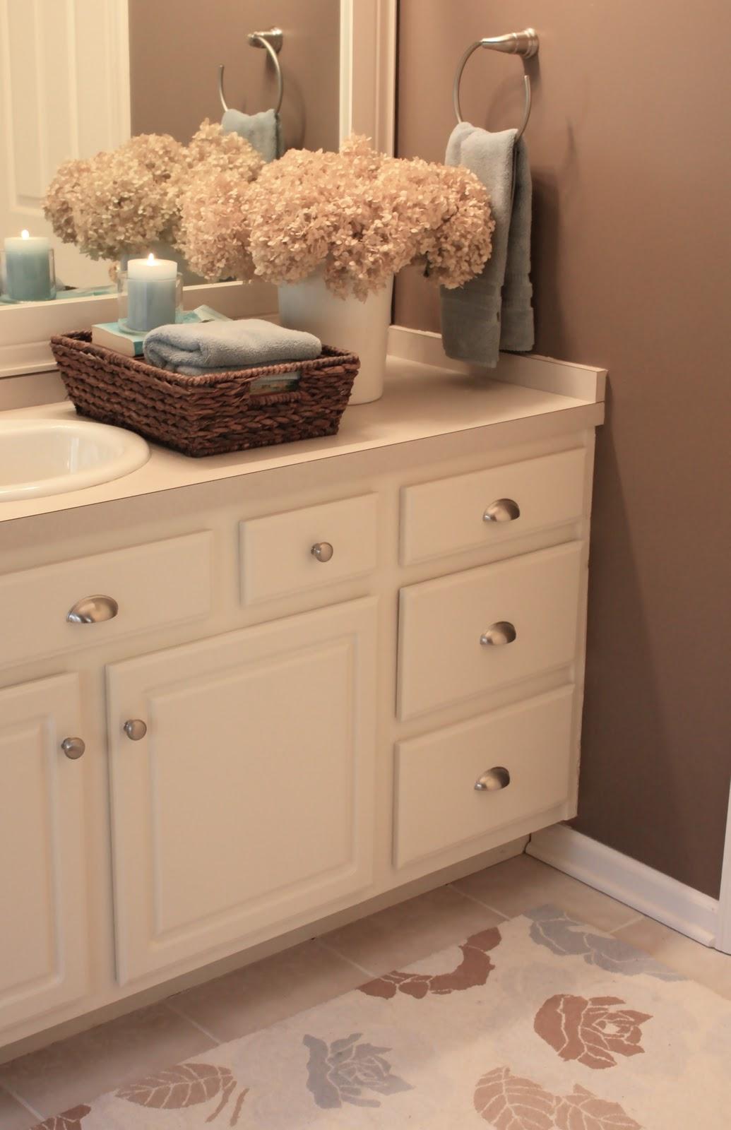 The Yellow Cape Cod: Bathroom Upgrades