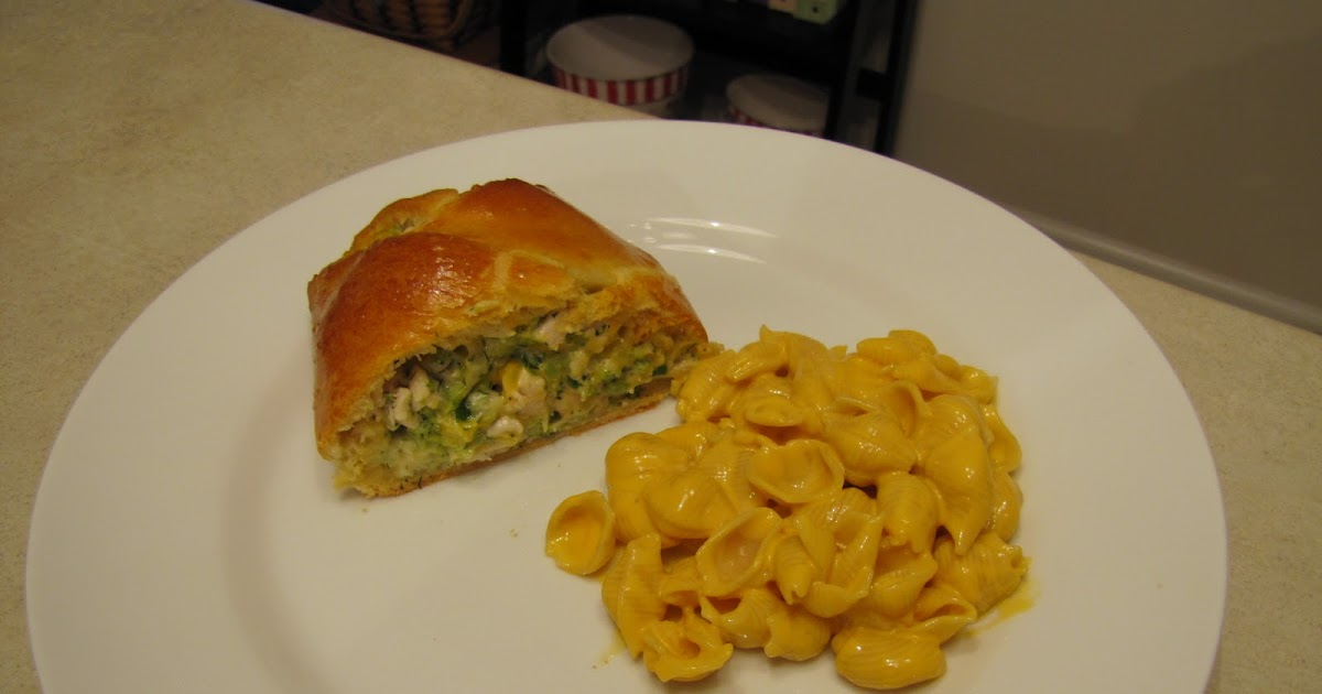 What S Cooking With The Inman S Pampered Chef Chicken Broccoli Braid