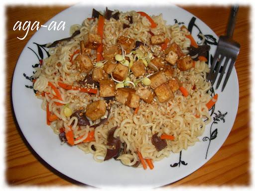 Makaron z warzywami i tofu