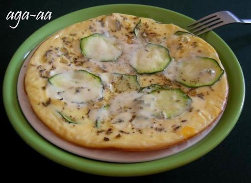 Frittata z cukinią i serem pleśniowym