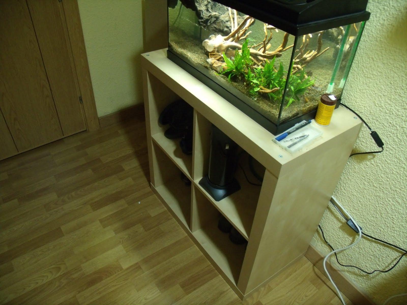 Las cosas del karlos ciclando dos nuevos gambarios en for Mueble para acuario