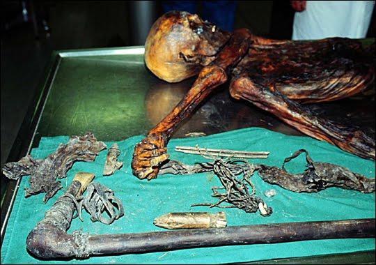 Cecilia Saputri: Ötzi (The ancient man who was found at ...