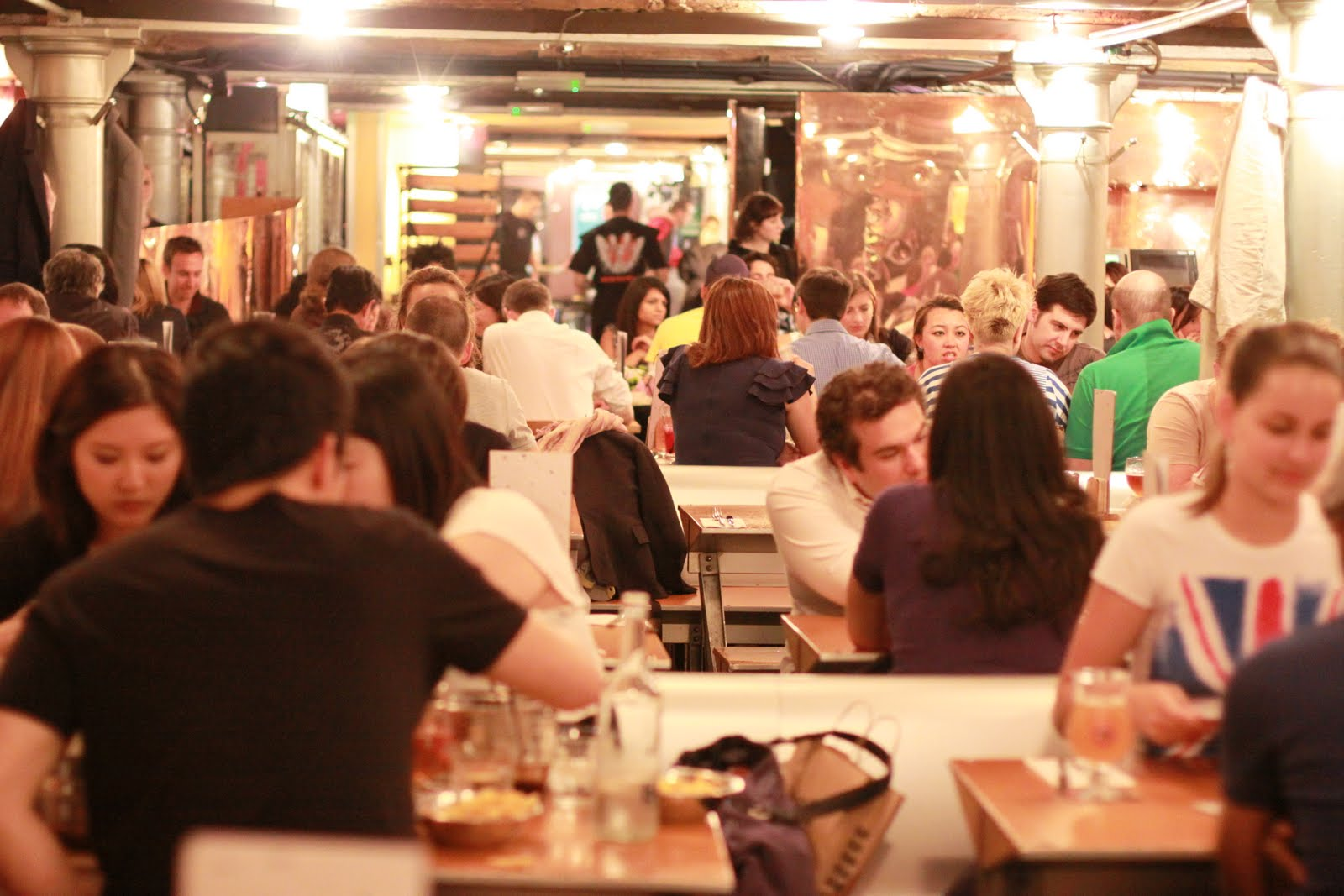 The London Foodie London Restaurant Reviews Belgo Centraal