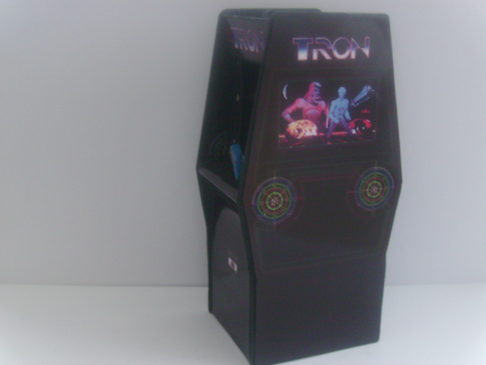 Retro Heart Tron Custom Scale Arcade Model