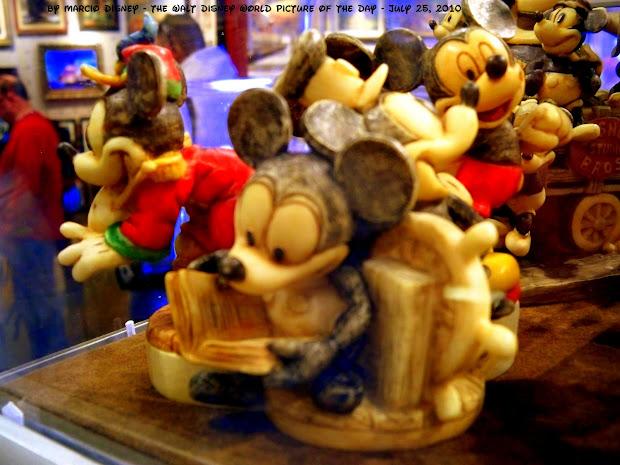 Walt Disney World Of Day Kinds Mickey Art Store
