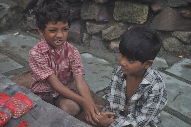 pavagarh travel travelogue trip friends monsoon gujarat kids