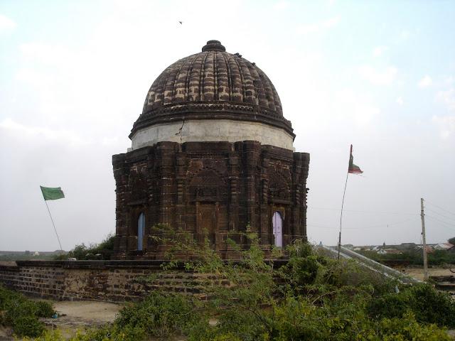 Lakhpat fort town Kutch Gujarat Travel Tourism Auliya Allah Hazrat Dargah kuba