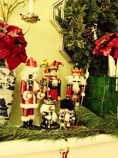 Aesthetic Oiseau Ao Christmas 2010 Nutcracker Mantel