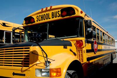 Resultado de imagen para EE.UU: Luego de Halloween se incrementan accidentes de niños esperando bus escolar