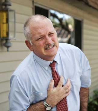Anda Nyeri Dada ? Waspadai Serangan Jantung