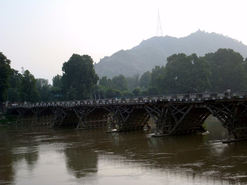 zero bridge in Srinagar, Kashmir
