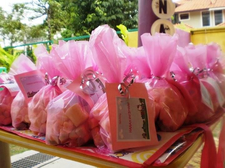 Kids Fun Party Hana S 2nd Birthday Hello Kitty Sweet Cake