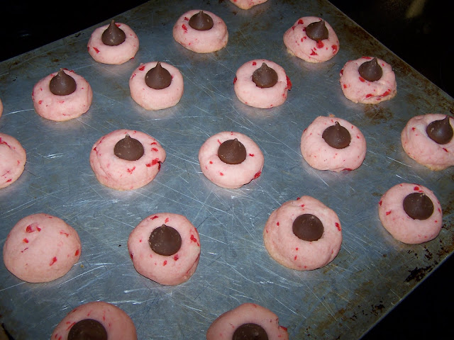 easy recipe for cherry kiss cookies