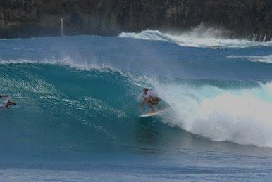 pacitan surfing