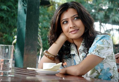 free-wallpapers-stock: ` charming kannada actress radhika