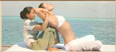 The reosrt boasts a yoga therapy sessions as well as numerous yoga retreats from world-renowned gurus