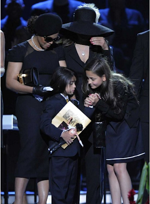 janet and latoya jackson at michael's funeral