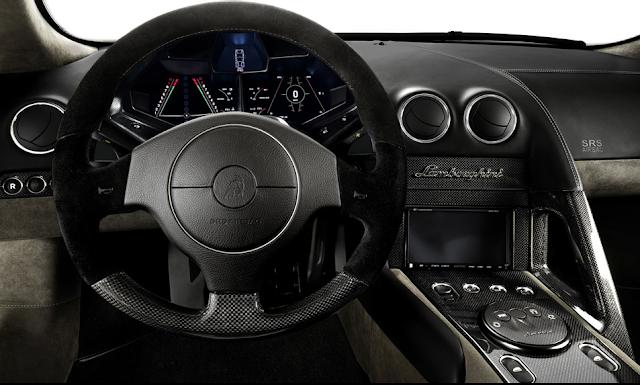 Reventón Roadster dashboard