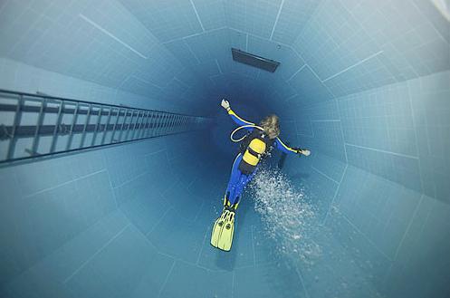 diving pool in brussels