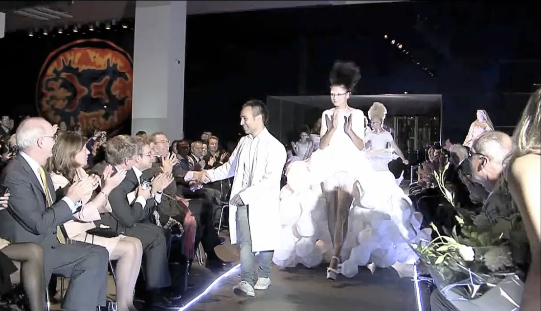 If It S Hip It S Here Archives From Spray Can To Catwalk Fabrican Spray On Couture Collection