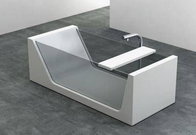 Plavis Design Avi glass and Corian tub