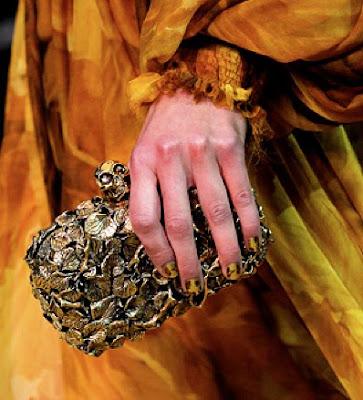 Alexander McQueen skull clutch 2011
