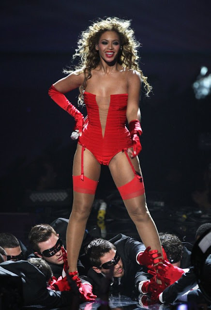 beyonce knowels sexy red bikini4