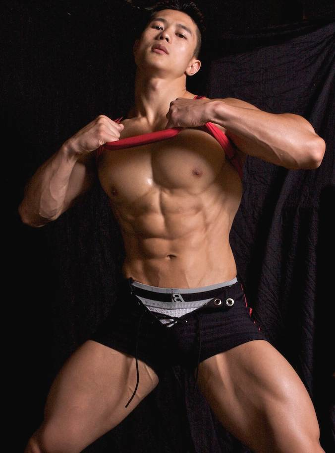 japanese-muscle-guy-nude-naked-blode