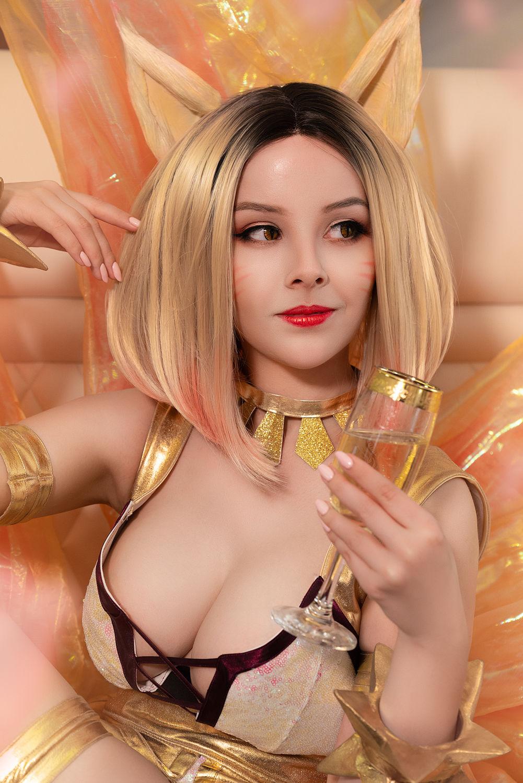 Ahri cosplay nackt