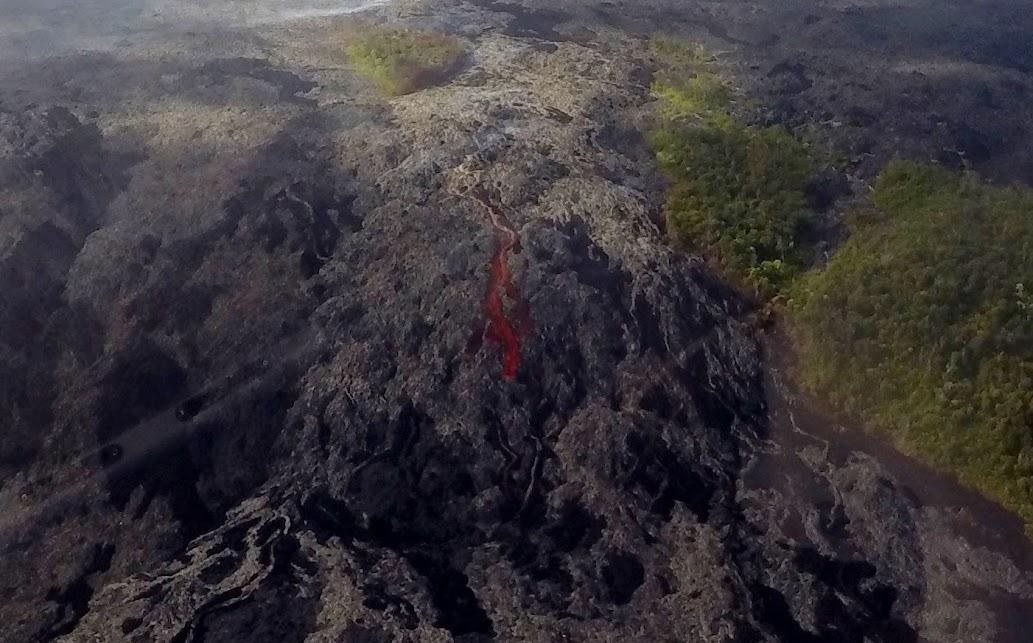 trek america hawaii lava helicopters