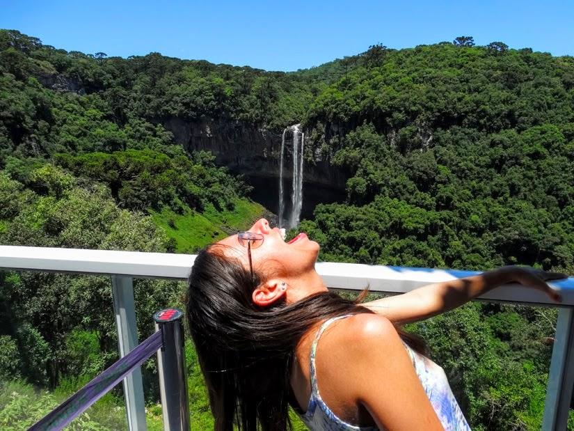 Essa não foi a foto oficial - fomos nós que tiramos!!!!! Bondinhos Parques da Serra e cascata do Caracol - Rio Grande do Sul - Diário de Bordo - Canela