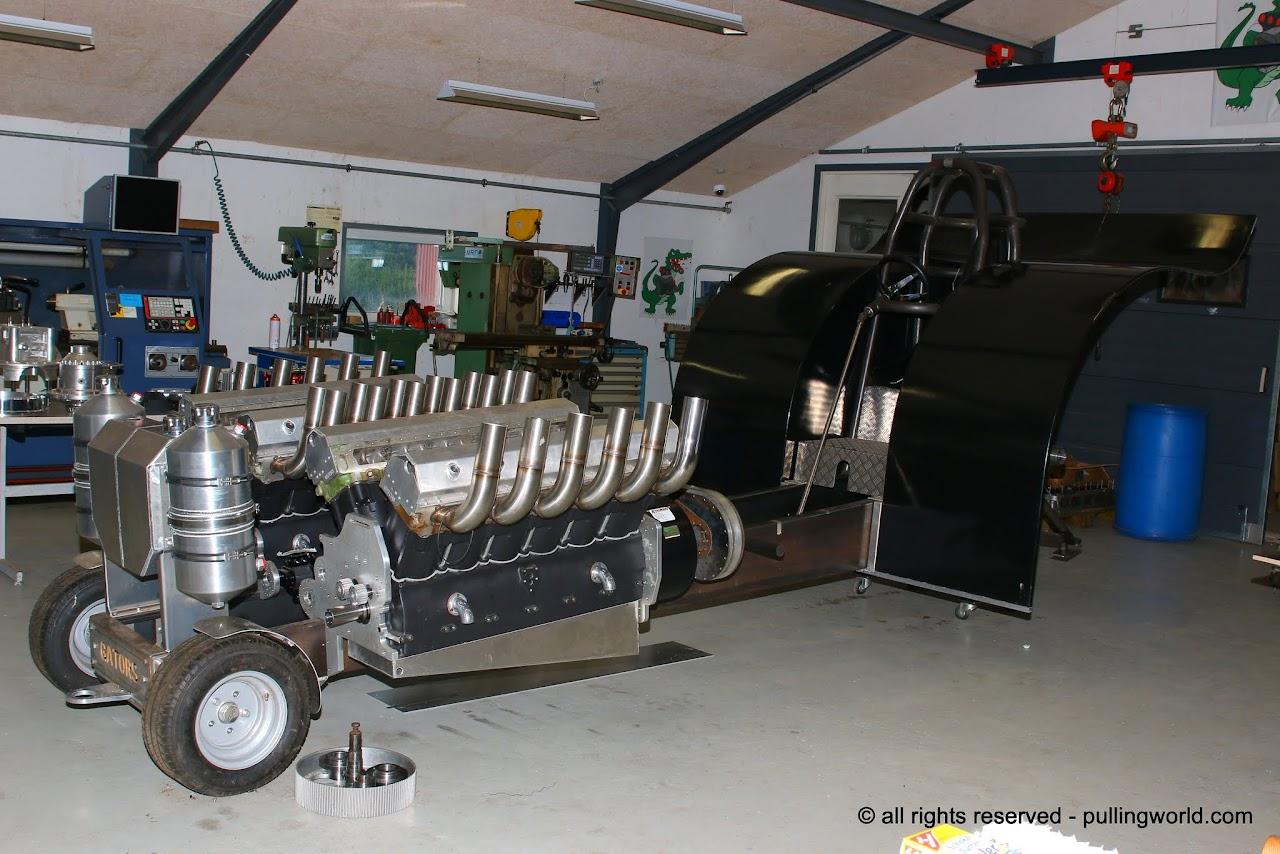Tractor Pulling News - Pullingworld.com: The new Gators ...