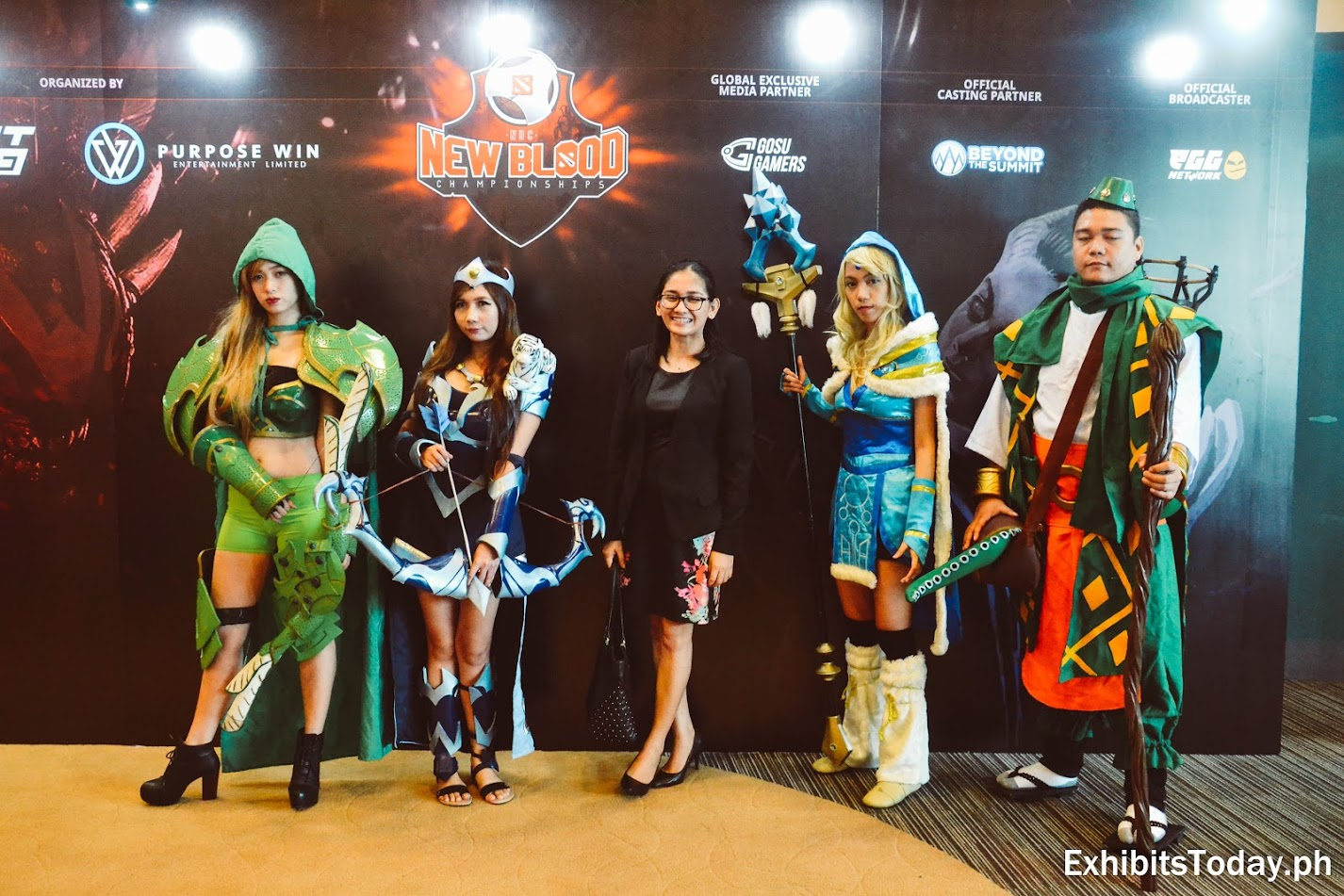 Cosplayers at the DOTA 2 New Blood Championships