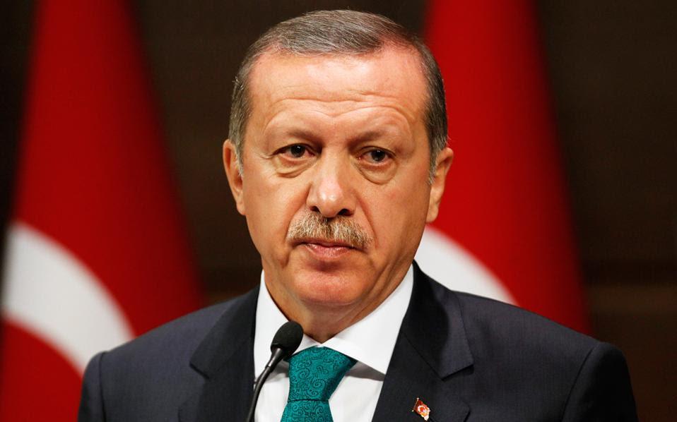 Η πολιτική κρίση στην Τουρκία βυθίζει την οικονομία της