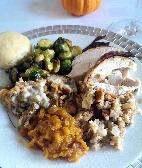 Thanksgiving-Dinner-tasteasyougo.com