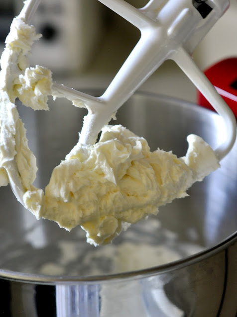 Whipped-Cream-Cheese-tasteasyougo.com