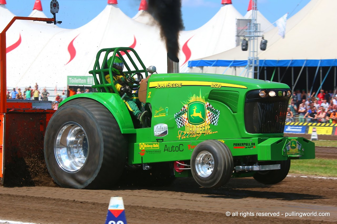 John Deere Super Stock Pulling Tractors : Tractor pulling news pullingworld danish champions