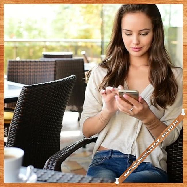 Cà phê hạt rang, cà phê nguyên chất là loại thức uống phổ biến nhất hiện nay dành cho mọi người, bất kể già trẻ, lớn bé, hoặc nam hay nữ ...